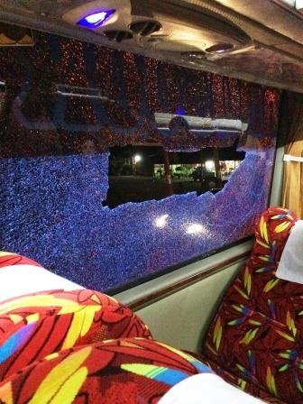 Attackierter Nachtbus von Binjai nach Banda Aceh